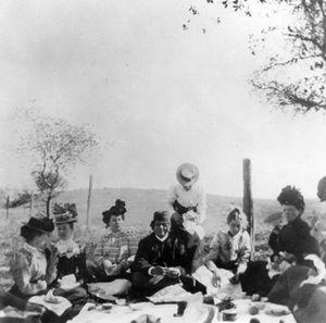 Swami Vivekananda in California - Vivekananda in California in January 1900 amidst his devotees and friends