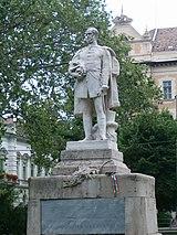 Széchenyi szobra Szeged róla elnevezett főterén