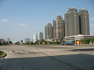 Taizhou, Zhejiang - View down a street in Taizhou