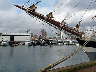 Ipswich Dock - Stavros S Niarchos in Ipswich dock (2009) - Fairline Yachts and waterfront in the background