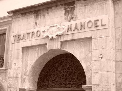 Come arrivare a Teatru Manoel con i mezzi pubblici - Informazioni sul luogo