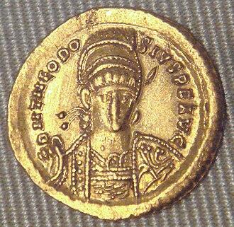 Theodosius II - Solidus of Theodosius II, 439-450