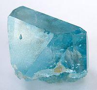 Un fragment de topaze bleue