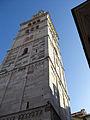Torre Ghirlandina di Modena dal basso 3.jpg