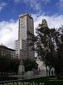 Torre de Madrid desde la plaza de España.jpg