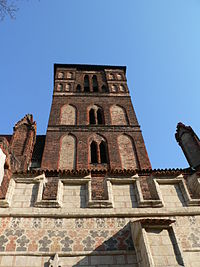 Torun St. Jacob Church Tower 2005.jpg