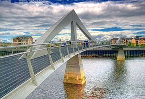 Tradeston Bridge - South-facing view of the Tradeston Bridge.