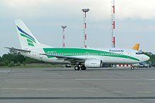Un Boeing 737-700 con la livrea mantenuta fino al 2005.