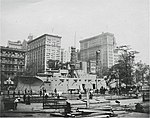 USS Recruit in Union Square NYC 1917.jpg