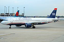 US Airways Airbus A320-214; N103US@ORD;12.10.2011 624cc (6301855360).jpg