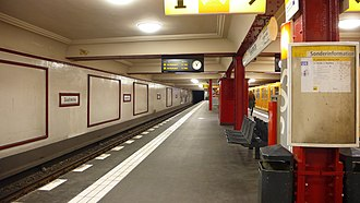 Stadtmitte (Berlin U-Bahn) - Platform of the U6