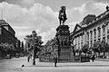 Unter den Linden in Berlin.jpg