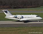 VP-CIF Bombardier CL-600-2B16 Challenger 605 CL60 - TAG Aviation (16027469889).jpg