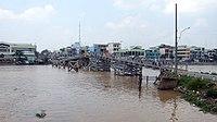 Vietnam BenTre Bridge.jpg