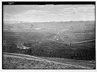 View of Jer. (i.e., Jerusalem) from Olivet showing Neby Mousa (i.e., Nebi Musa) crowds at St. Stephen's Gate. LOC matpc.03401.jpg