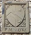 Villa il palagio di san casciano, cortile, stemma forse antellesi e miniati, 1541.JPG