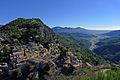 Vue sur le village de Gilette et sur le confluent de l'Estéron et du Var depuis le château.JPG
