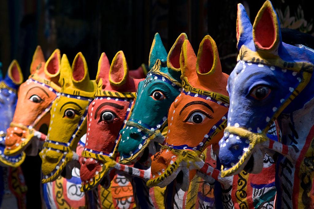 Chevaux colorés au musée des Tropiques à Amsterdam - Photo de Niels