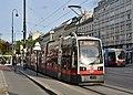WL 601, Oper, Karlsplatz tram stop, 2019 (01).jpg