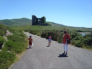 English: Ballycarbery Castle....a huge attract...
