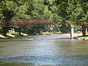 Walking bridge over the Oconaluftee River, Cherokee, NC IMG 5147