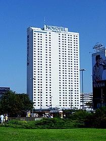 Warszawa - Hotel Novotel.JPG