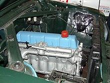 Warszawa 210 z atrapą silnika