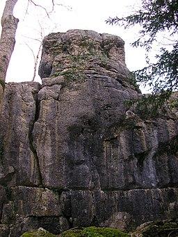 Warton Pinnacle - geograph.org.uk - 1586575