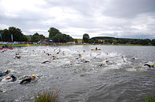 Weiswampach triathlon 2007 men swimming start.jpg
