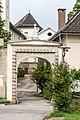 Wernberg Klosterweg 2 ehem. Schloss Einfahrtstor im Nordosten 14062018 5855.jpg