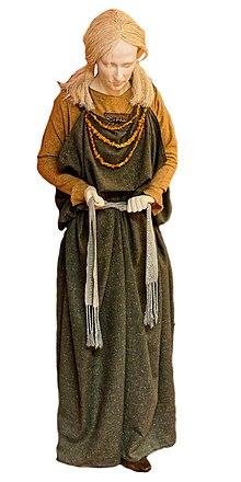 Anglo-Saxon dress - Wikipedia