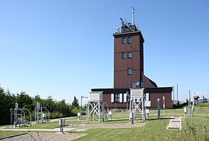 Fichtelberg - Weather station with meteorological instruments