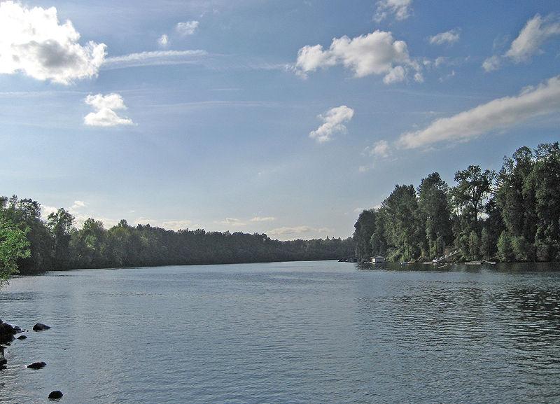 File:Willamette River at Molalla SP eb.jpg