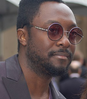 English: Will.i.am at a ceremony for Doug Morr...