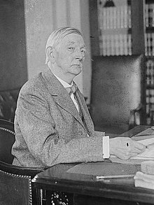 William Joel Stone in 1917 (cropped).jpg