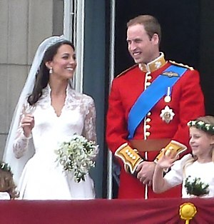 Catherine, Duchess of Cambridge - The newly married Duke and Duchess of Cambridge on the balcony of Buckingham Palace