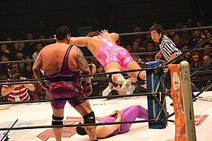 Yutaka Yoshie - Yoshie executing a Karuizawa over Commander An Jo