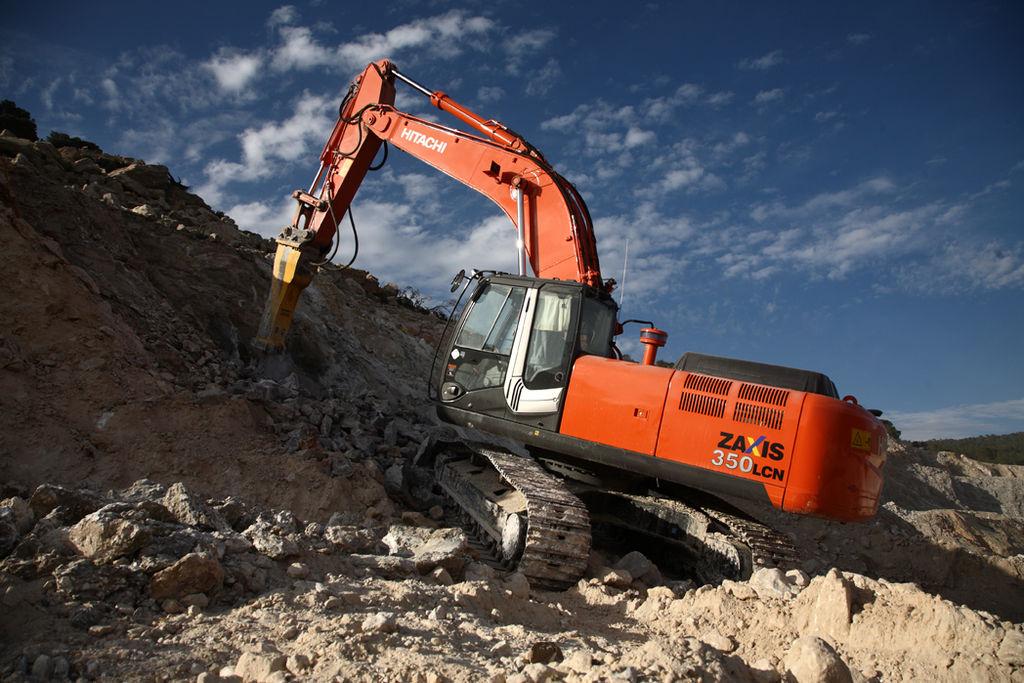 escavatore speciale astaco o astice hitachi vigili del fuoco 1024px-ZX350LCN-3-Photo28-lo