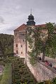 Zamek i ogród kwaterowy w Pieskowej Skale.jpg