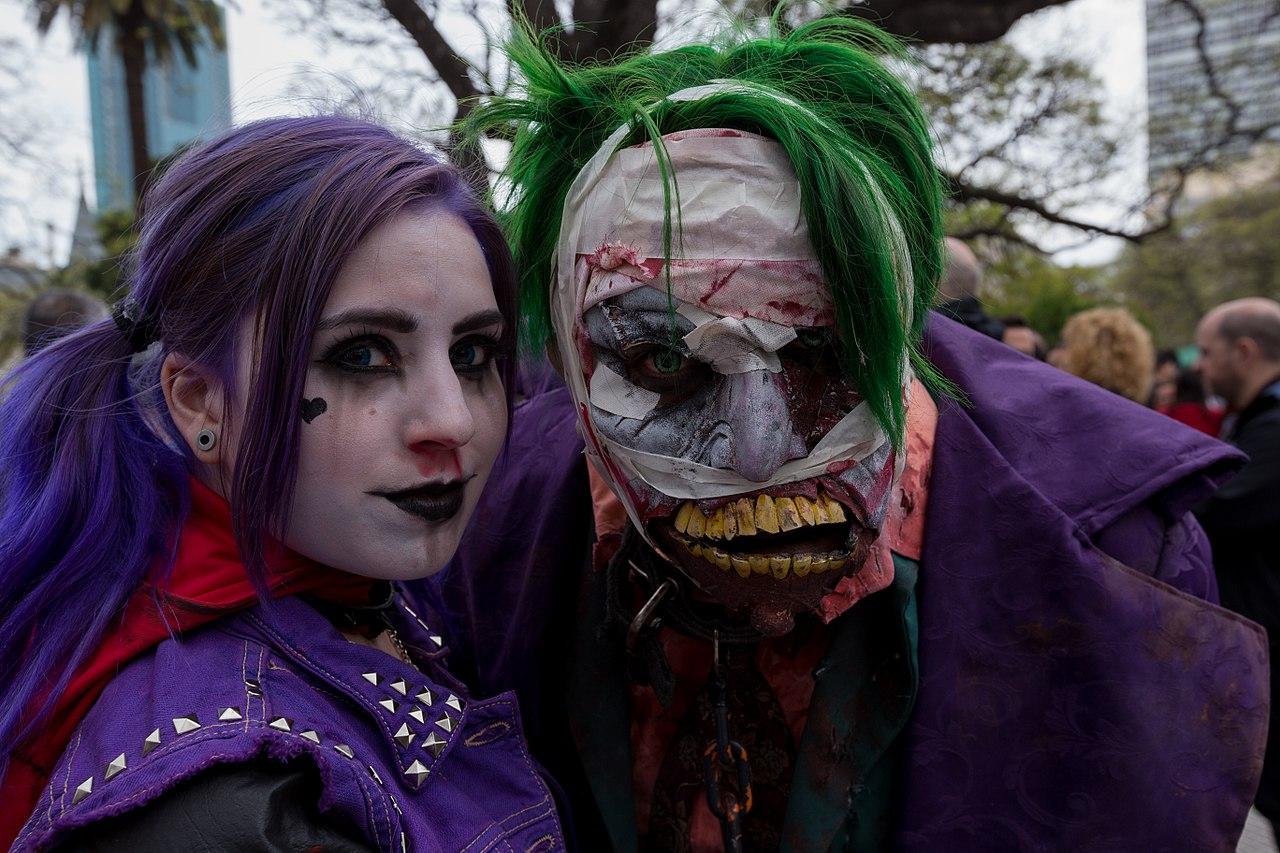 Zombie Walk (22064149783).jpg