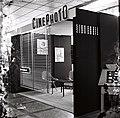 Štand preduzeća Cinephoto na Međunarodnom sajmu tehnike u Beogradu 1964. godine.jpg