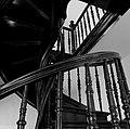 Марьино Дворец Интерьер Винтовая лестница (фото 7) Рыльский район 2019.jpg