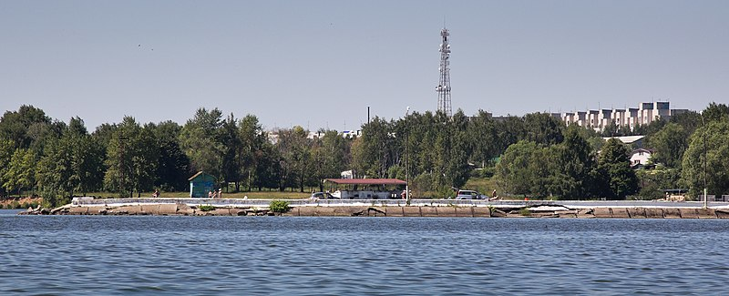 File:На берегу около Чкаловска (2012.07.03) - panoramio.jpg
