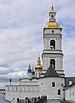 Павлинская башня и соборная колокольня.jpg