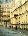 Рига (Латвия) - фотограф на улице Альберта (1998 год) - panoramio.jpg