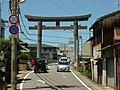 和歌山市和田 竈山神社の鳥居 Shrine gate of Kamayama-jinja 2011.7.15 - panoramio.jpg