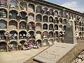 006 Cementiri del Poblenou, tomba Sellarès i nínxols.jpg