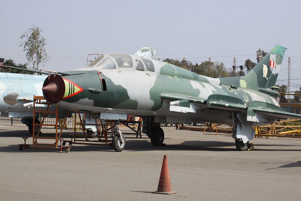 المقاتلات القاذفه Su-17/20/22 السوفييتيه 1024px-027_Sukhoi_SU-22_Peruvian_Air_Force_%287508497952%29