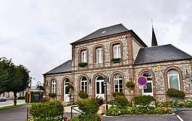 The town hall in Beuzeville-la-Grenier
