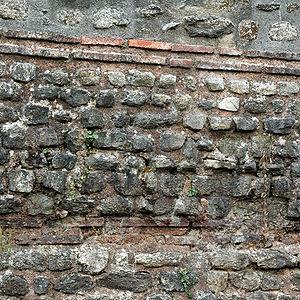 Opus mixtum - Example of Opus mixtum in the Brest Castle, France.